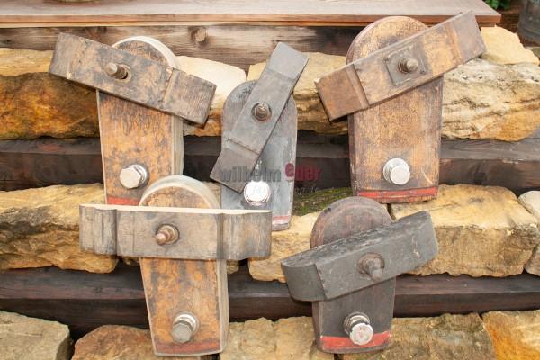 Holztürchen mit Zapflochklappe zur Deko